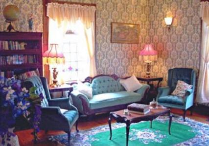 The Queen Anne House Bed and Breakfast Photo