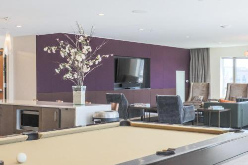 Global Luxury Suites at The Theater District Photo