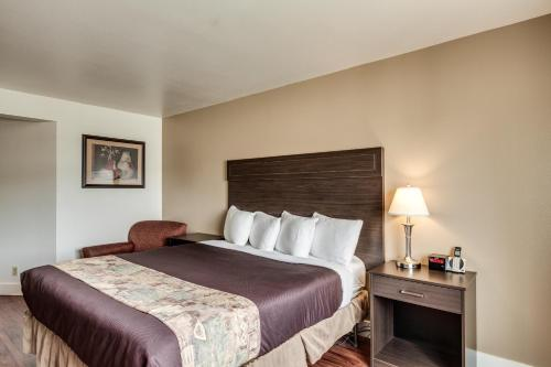 SilverStone Inn and Suites Photo