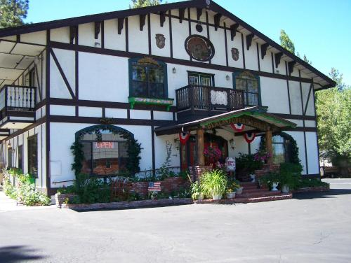 Black Forest Lodge - Big Bear Lake, CA 92315