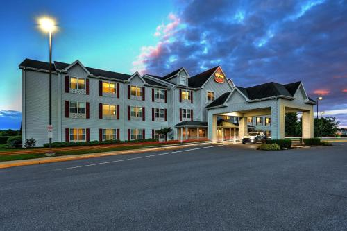 Lancaster Inn & Suites Photo