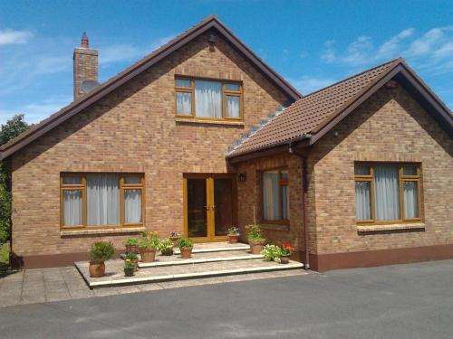 Photo of Cedar Retreat Centre, B&B Hotel Bed and Breakfast Accommodation in Rosslare Wexford