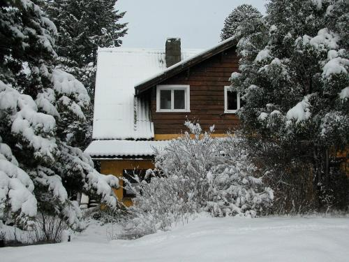 Los Juncos Patagonian Lake House Photo