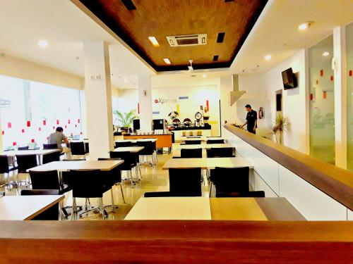 Amaris Hotel Nagoya Hill - Batam photo 14