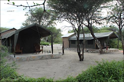 Fiume Bush Camp, Otjikango