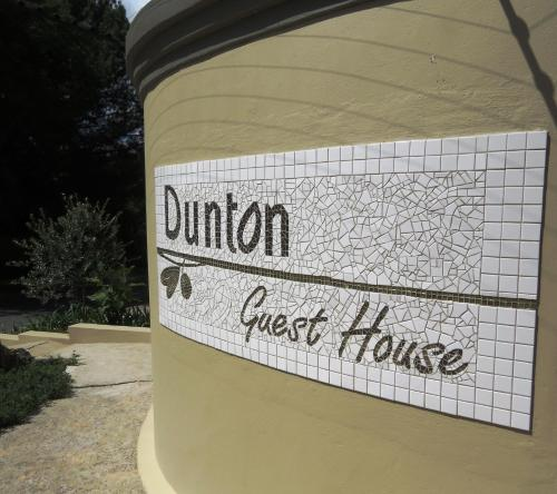 Dunton Guest House Photo