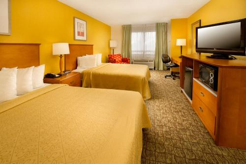 Quality Inn Miami Airport Photo