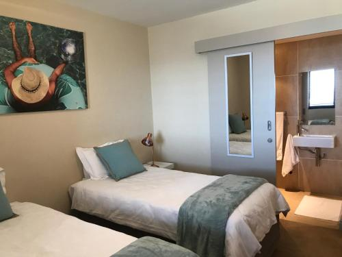 Loddey's Self Catering Apartments Photo