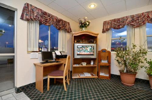 Best Western Ottawa Inn Photo