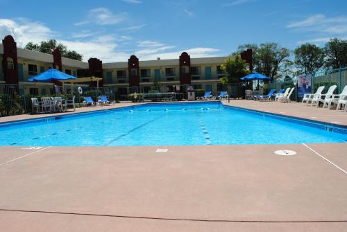 Days Inn Santa Fe Photo