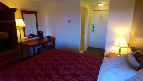 Econo Lodge Inn & Suites Saint John Photo