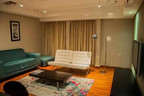 Circa Luxury Apartment Hotel Photo