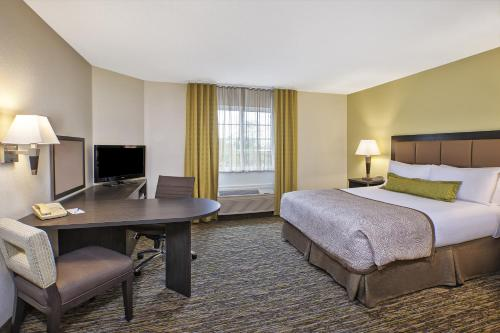 Candlewood Suites Indianapolis - Indianapolis, IN 46250
