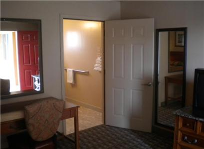 Payless Inn photo 10
