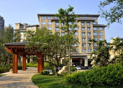 Tan Mu Lin Celebrity City Hotel
