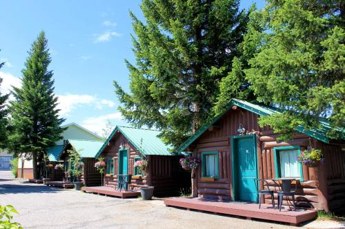 Moose creek cabins in west yellowstone mt non smoking for West yellowstone cabins