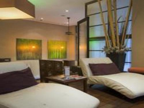 Pinnacle Suites - Pantages Tower offered by Short Term Stays Photo