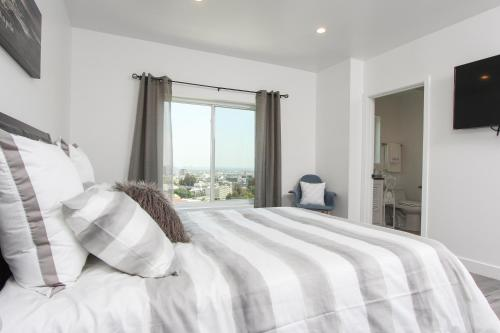 Starview Hollywood Vacation Home - Los Angeles, CA 90068