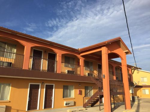 Executive Inn and Suites San Benito Photo