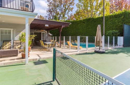 Beverly Hills Home - Rodeo Drive - Beverly Hills, CA 90210