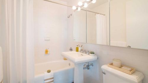 Luxurious Two Bedroom Apartment in Doorman Building - Lincoln Center photo 28