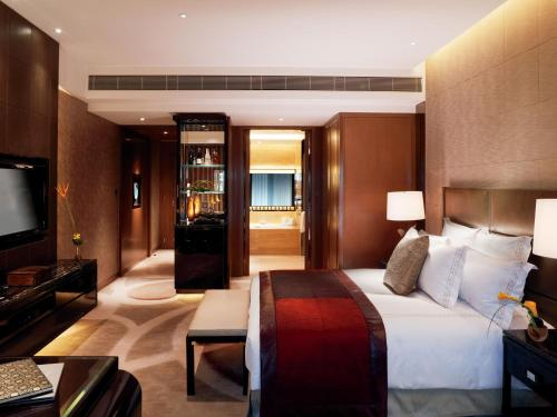 The Ritz-Carlton Hong Kong photo 19