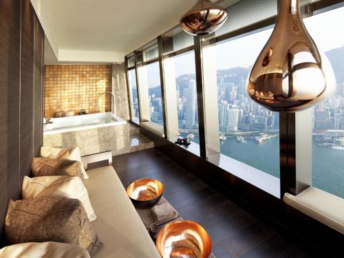 The Ritz-Carlton Hong Kong photo 20