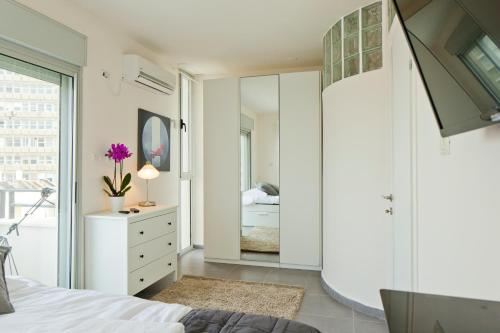 TLV Suites By The Sea with 3 Room, Tel Aviv-Jaffa