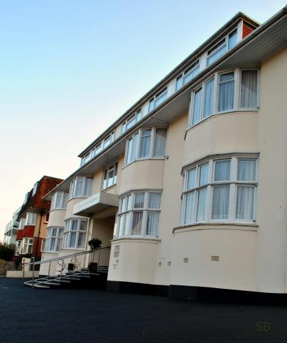 Photo of Riviera Holiday Apartments Hotel Bed and Breakfast Accommodation in Bournemouth Dorset