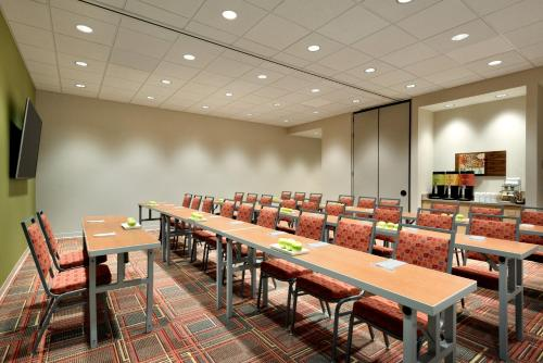 Home2 Suites by Hilton Cleveland Independence Photo