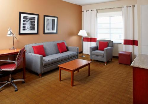 Four Points by Sheraton Houston Hobby Airport Photo