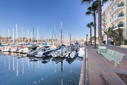 MARINA'S GORGEOUS TOP FLOOR WITH VIEWS & AMAZING AMENITIES - Los Angeles, CA 90292