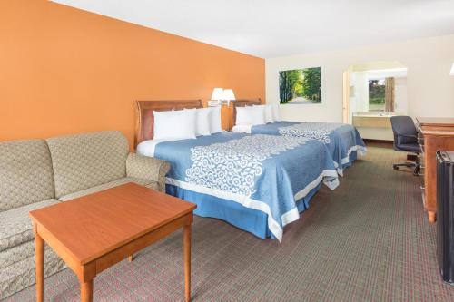 Days Inn Orangeburg South Photo