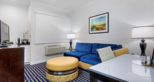 Best Western Plus Palm Court Hotel Photo