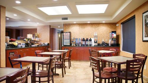 Best Western Exeter Inn And Suites - Exeter, CA 93221
