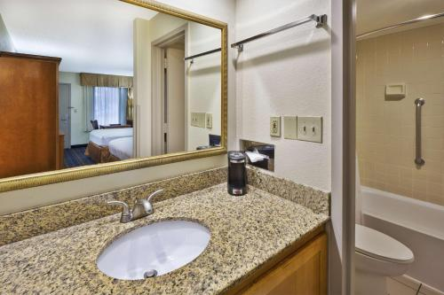 Best Western Dulles Airport Inn Photo