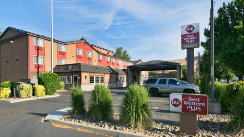 Best Western Plus Yakima Hotel Photo