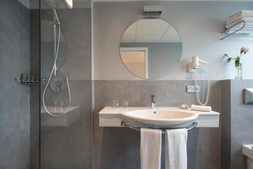 Standard Double or Twin Room - single occupancy Hostal Boutique Alcoba 1