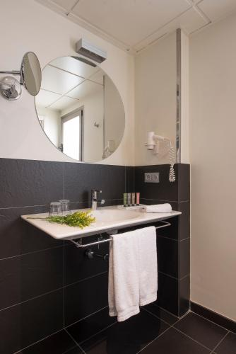 Superior Double or Twin Room Hostal Boutique Alcoba 11