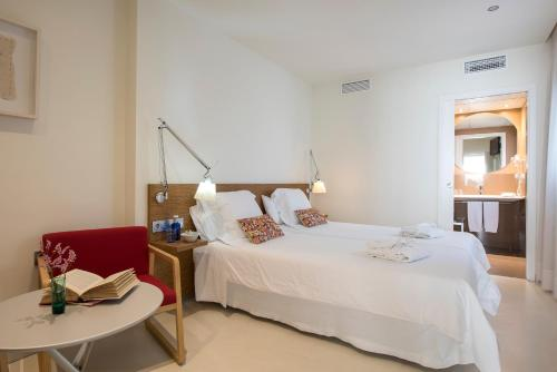 Superior Double or Twin Room Hostal Boutique Alcoba 18
