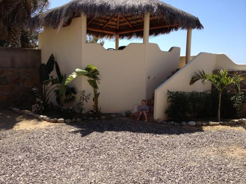 Las Palmas Tropicales Beachfront Rentals Photo