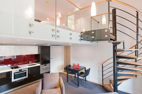 Photo of Go Native Hyde Park Apartments Self Catering Accommodation in Westminster London