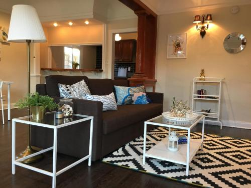 Chic and Charming 1 bdr - Los Angeles, CA 90046