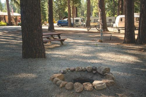 Sierra Springs RV Resort - Graeagle, CA 96103
