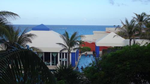 Upgraded OceanView Studio on the beach, Cancún