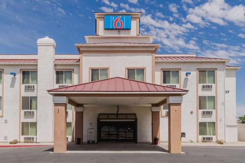 Motel 6 Hesperia Photo