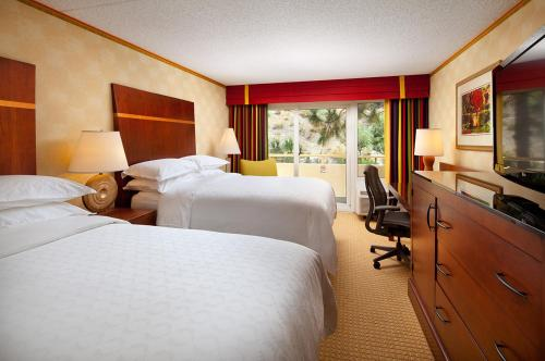 Sheraton Agoura Hills Hotel Photo