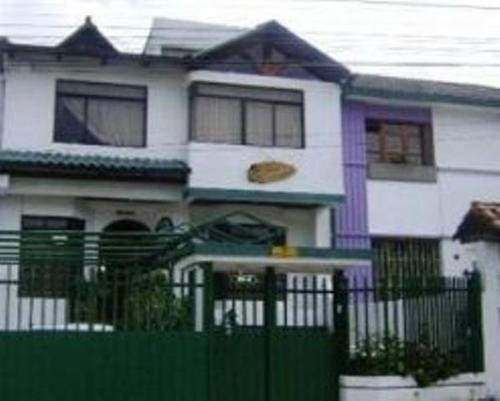 Villa Esperanza Homestay Quito website