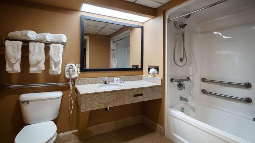 Best Western Burlington Inn Photo