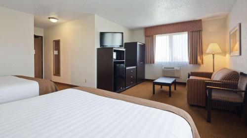 Best Western Mount Pleasant Inn Photo
